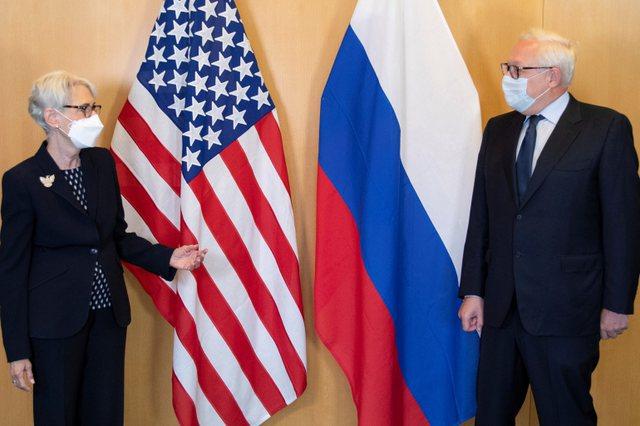 """SHBA dhe Rusia takohen sërish në Gjenevë, palët """"ulin"""