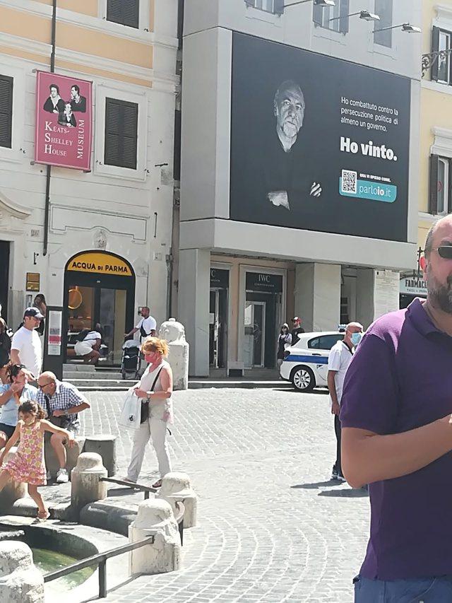 Unë fitova/ Posterat e Becchetit kundër Ramës mbushin Romën