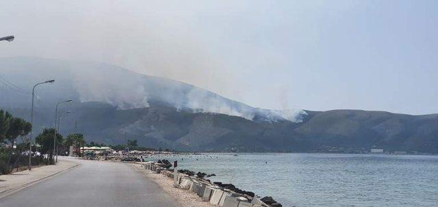 Rëndohet situata në Karaburun, zjarri është përhapur