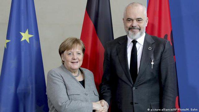 Pse Angela Merkel përzgjodhi Beogradin dhe Tiranën për