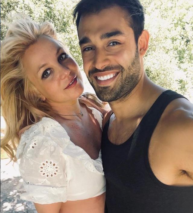 """""""Nuk mund ta besoj""""/ Britney Spears fejohet dhe nuk e përmban"""