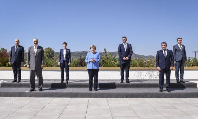 Bosnja-Hercegovina thyen akullin përpara Merkel, pranon Open Balkan