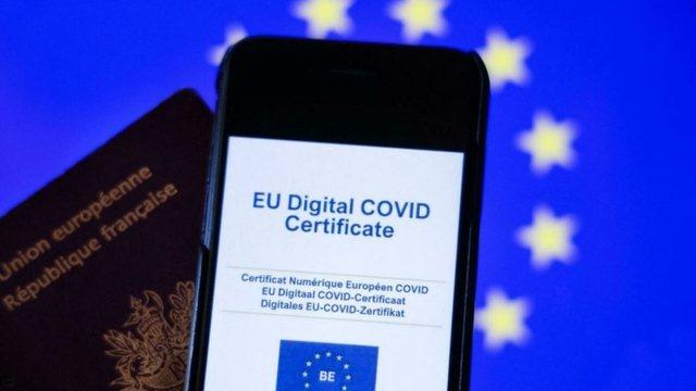 Komisioni Europian njeh certifikatat shqiptare të vaksinimit, kush mund
