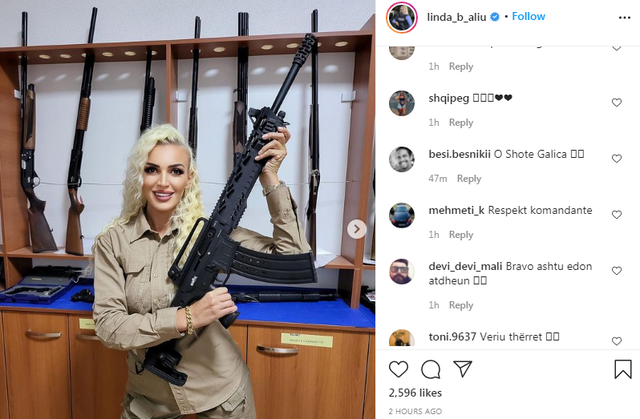Me armë në duar/ Fansat krahasojnë policen seksi shqiptare me