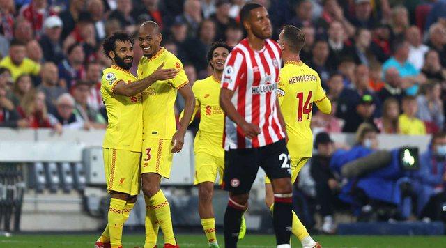 Liverpool nuk përfiton nga ndalesa e rivalëve, vetëm një