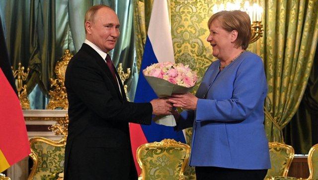 'Lufta' e re, si Angela Merkel e la Perëndimin të bëhet