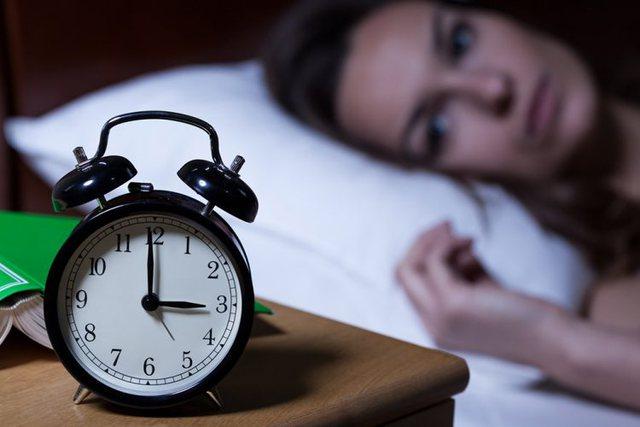 Si të kuptoni që vuani nga pagjumësia/ Disa metoda si ta trajtoni