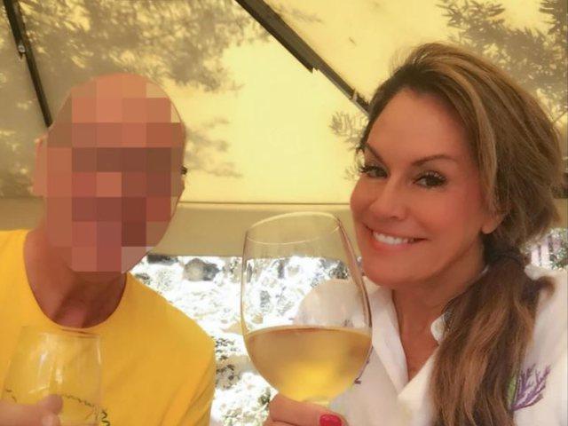 Nuk ndihet aspak fajtore! 49-vjeçarja zbulon se bën s*ks me burra