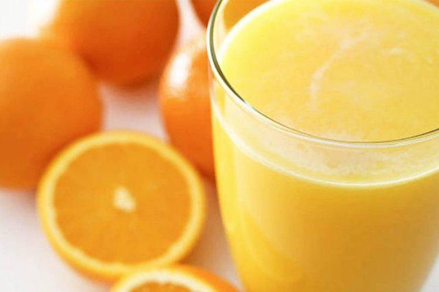 Lëng portokalli për të ulur kolesterolin e lartë, sasia