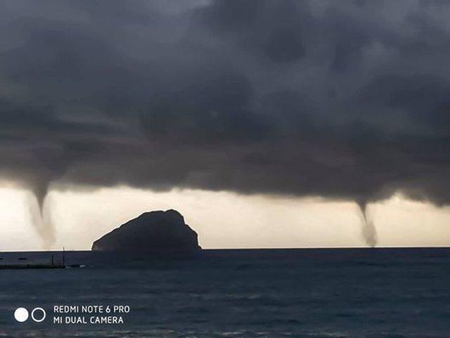 """FOTOT/ Fenomeni i pabesueshëm në Greqi! Uji """"ngrihet në"""