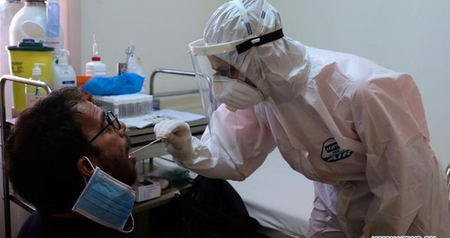 Çfarë ndodh nëse njëkohësisht prekeni nga gripi dhe