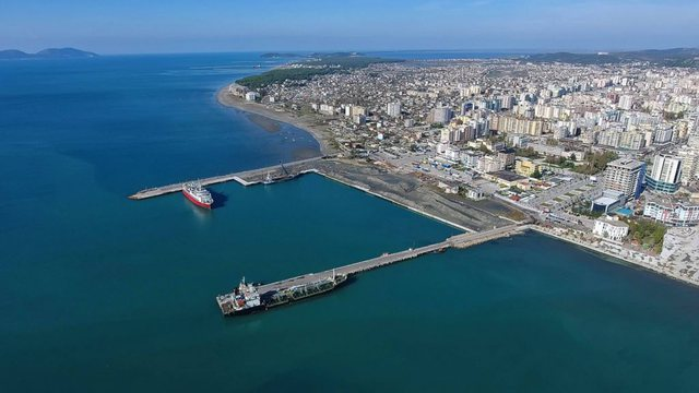 Qeveria jep portin e Vlorës tek privatët/ Portin e ri 45 milionë