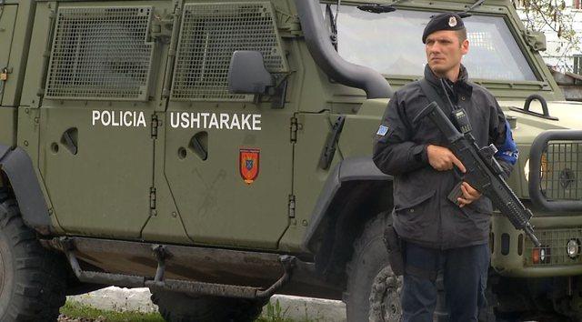 Policia Ushtarake mbrojti Rinasin në kundërshtim me ligjin