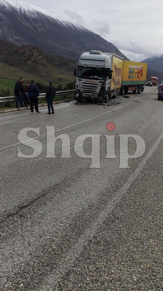 FOTO/ Aksident i rëndë në aksin Memaliaj-Tepelenë