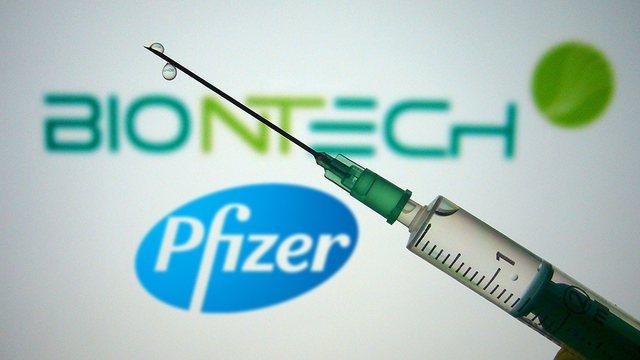 Mbërrin sasi e konsiderueshme vaksinash Pfizer, ndërsa vendit
