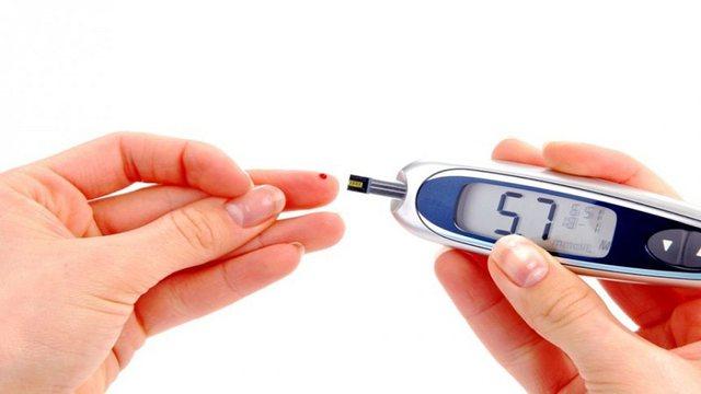 Çfarë ushqimesh duhet të konsumojnë diabetikët, mjeku