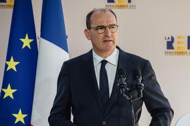 Qeveria franceze ndalon rritjen e çmimit të gazit e karburanteve,