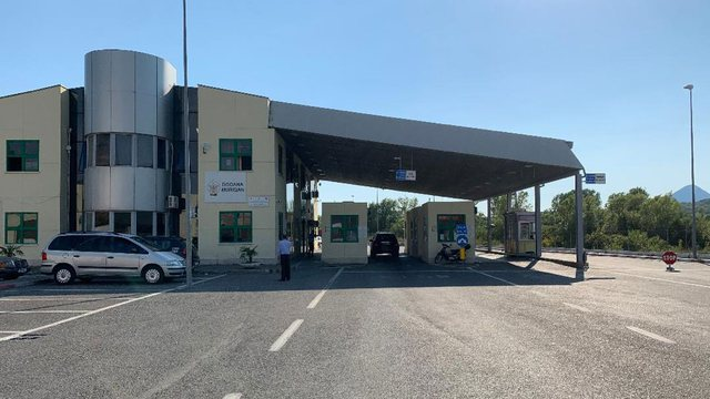 """""""Pabarazia"""" në kufi / 15 euro siguracion për"""