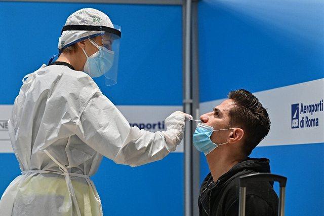 Itali ulen infektimet ditore të Covid, por rritet numri i të vdekurve