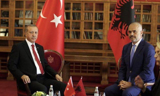 Turqia shet sisteme anti-dron në Shqipëri,  mediat greke japin