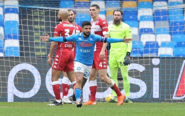 Napoli shkatërron Fiorentinën 6-0, Hysaj titullar në