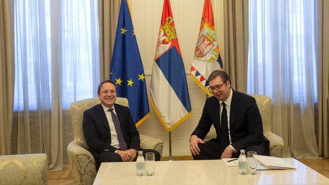 Favorizoi Serbinë/Olivér Várhelyi nën akuzë: