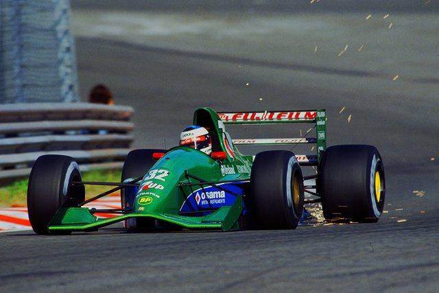 Del në shitje makina Jordan me të cilën Schumacher debutoi