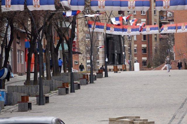 Qindra serbë marrin rrogë në Kosovë, pa punuar fare