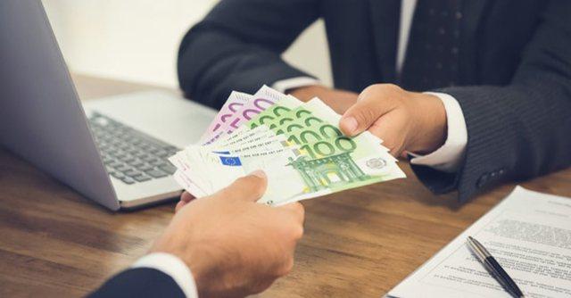 Më e lehtë për individët të marrin një kredi
