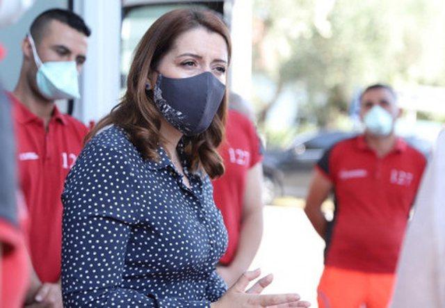 """""""Jo çdo maskë të mbron""""/ Manastirliu i"""