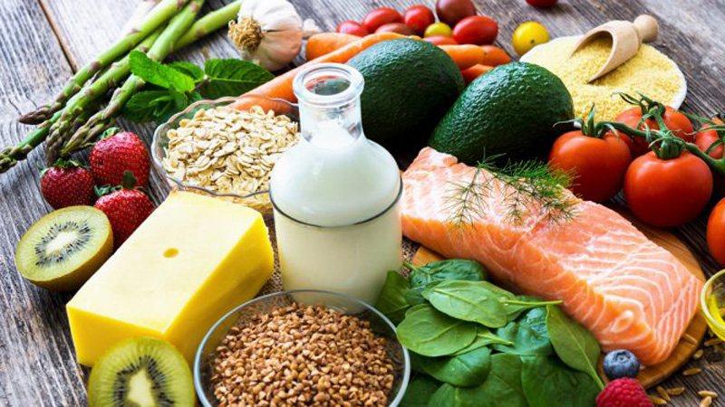 Ushqimet që nxisin metabolizmin për uljen në peshë