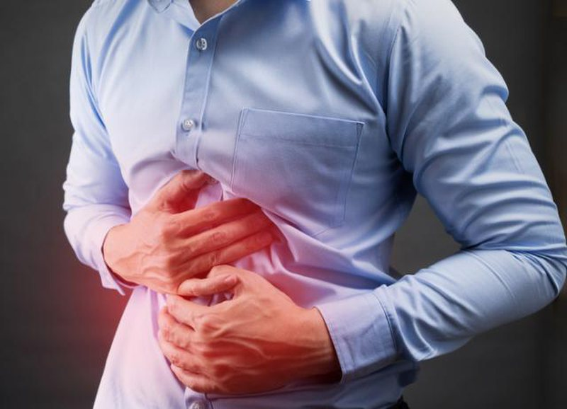 Problemet me stomakun shkaktojnë stres dhe ankth, ja çfarë