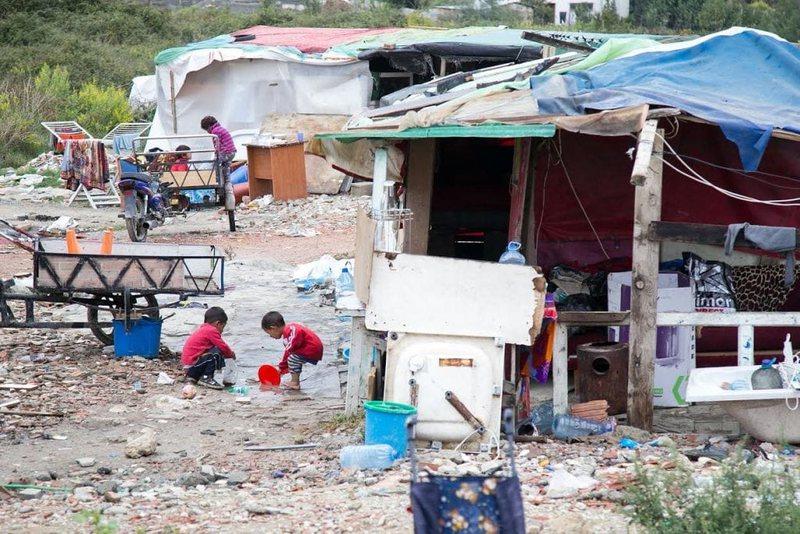 Në 2020, fëmijët romë braktisën shkollat