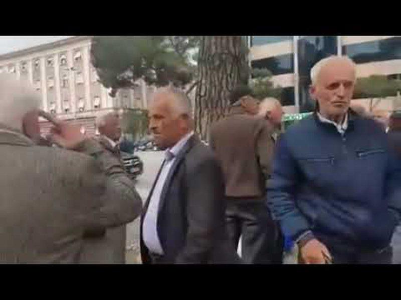 Të sakatuar dhe të sëmurë, minatorët protestojnë