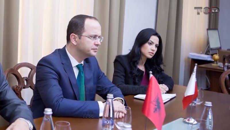 Ekskluzive Top Story/ Skandali i Ditmir Bushatit, emëroi dy sekretaret e