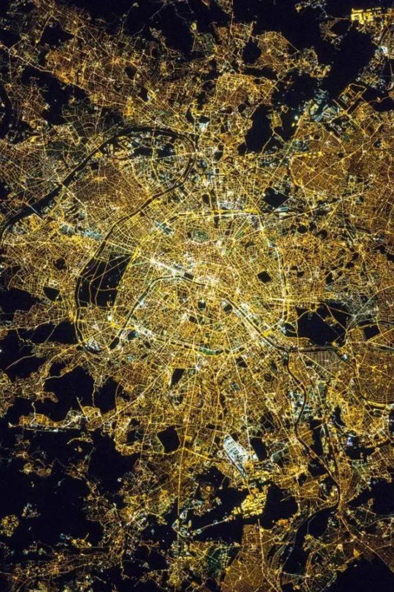 Pamje që nuk duhen humbur/ Planeti i fotografuar nga hapësira (FOTO)
