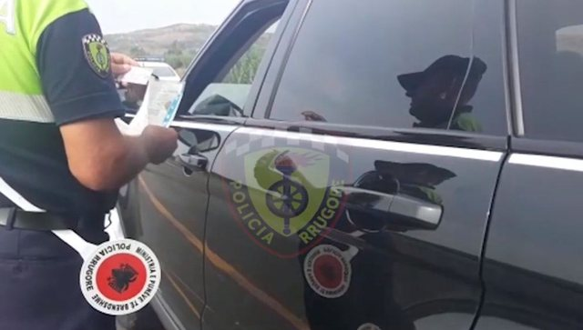 Shkelën rregullat e qarkullimit rrugor, arrestohen 2 persona në