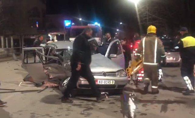 Foto/ Makinat aksidentohen rëndë në Korçë, bëhen