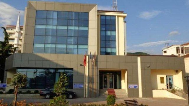 Covid-19 'troket' në gjykatën e Pogradecit, mbyllet deri