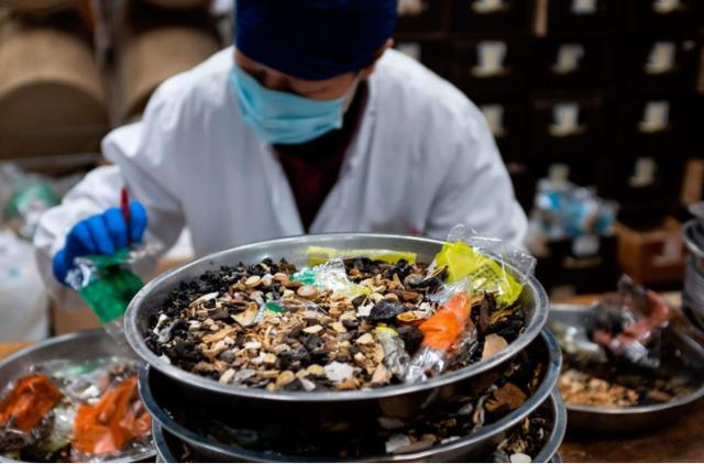 Kina i kthen shpinën vaksinës, miraton përdorimin e 3