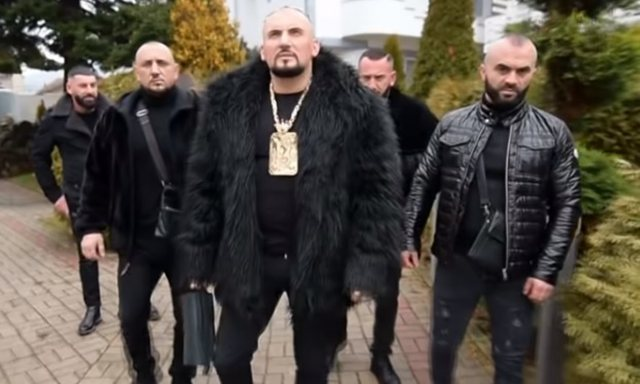 """""""Kobra"""" i Prizrenit: Kam 150 dosje në polici, jam si në"""