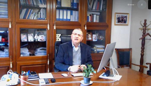 """""""Shteti i kapur nga korrupsioni"""", eksperti i ekonomisë komenton"""