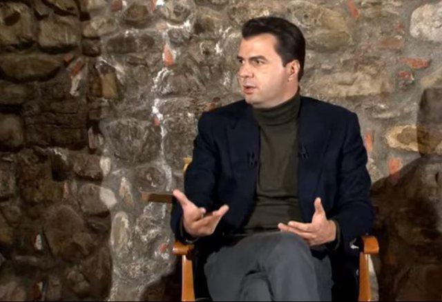 """""""Mësuesit e Elbasanit janë të detyruar të shkojnë"""