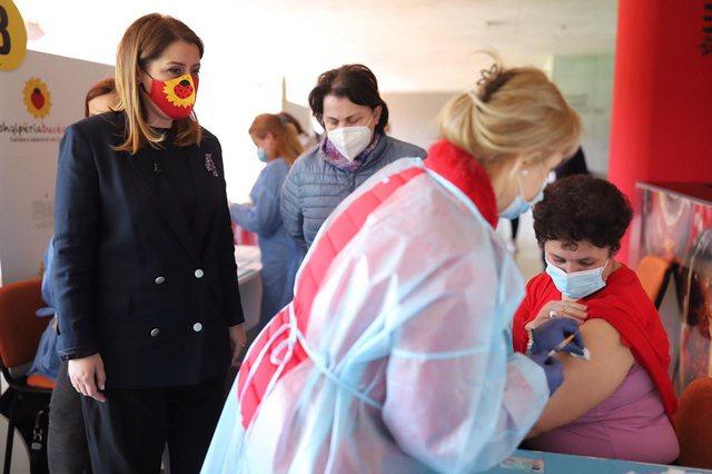 Manastirliu: Sot u bënë 10 791 vaksinime në të gjithë