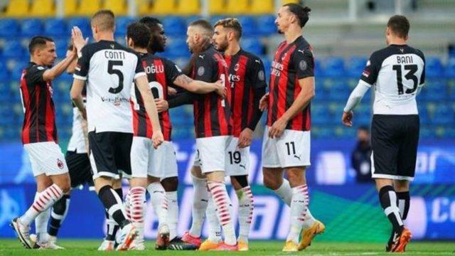 Ibrahimoviç ofendoi arbitrin, Milani ia del edhe pa të, siguron