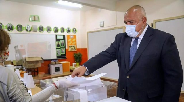 Tentuan të blejnë vota, shteti ballkanik arreston kandidatët