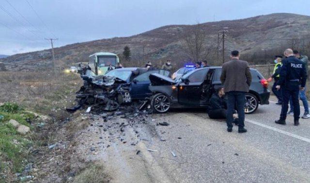 Një viktimë dhe 6 të lënduar, aksident i rëndë