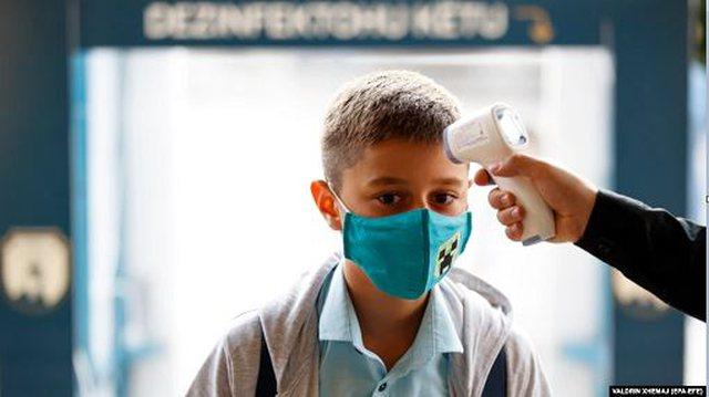 Kosova jap shkollat nga e hëna, hiqen kufizimet e pandemisë