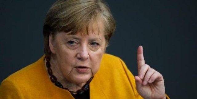 Angela Merkel i sfidon të gjithë, merr dozën e parë të