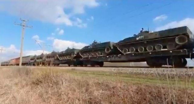 Rusia mbush me tanke kufirin me Ukrainën, SHBA 'pozicionohen në